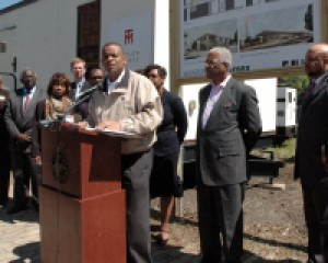 U.S. Transportation Secretary Foxx Calls for Transportation Investment During Visit to Birmingham Intermodal Facility