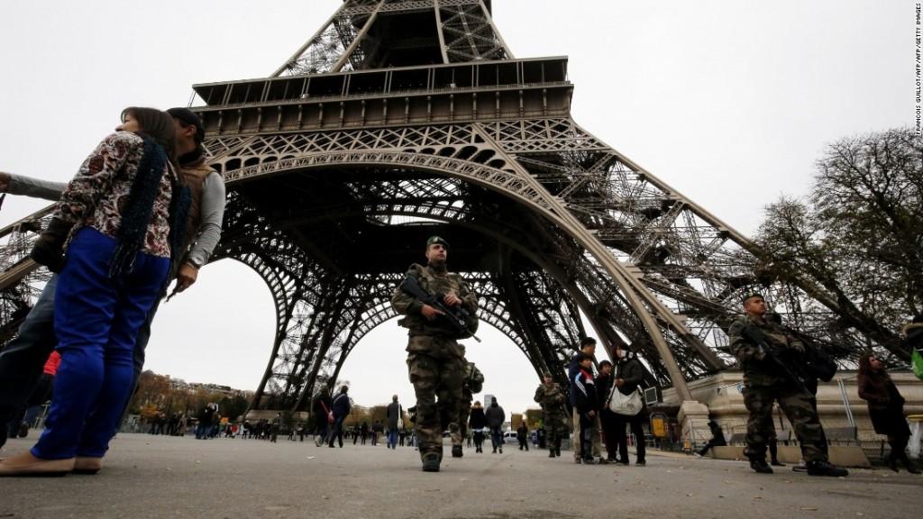 151114061831-01-paris-attacks-security-1114-super-169