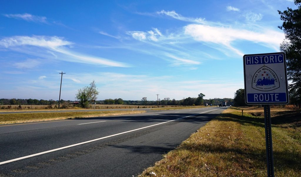 Historical marker along U.S. Highway 80 between Selma and Montgomery