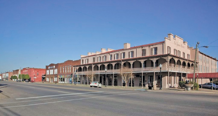 The St. James Hotel is the only surviving hotel in the downtown historic district of Selma. (Wikimedia Commons)