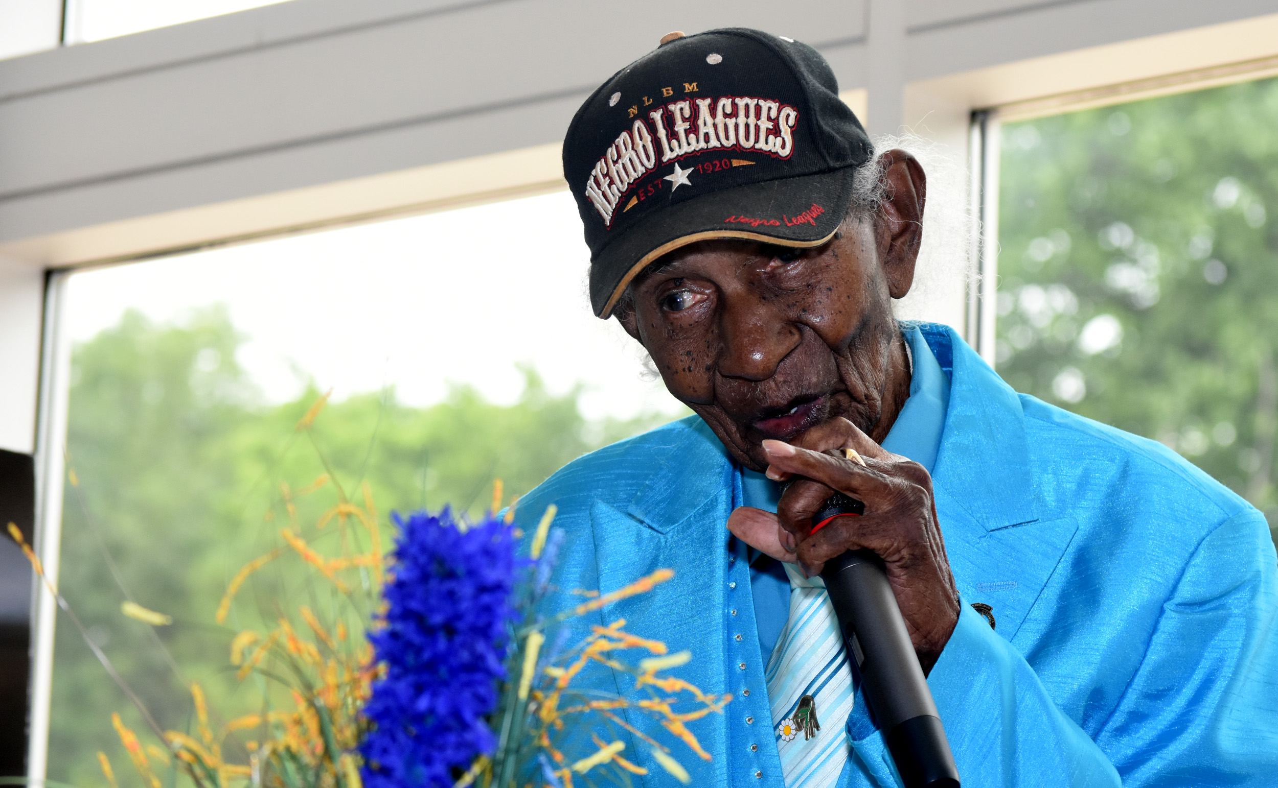 Roosevelt Jackson, 99, the oldest living Negro League baseball player. (Solomon Crenshaw Jr. photo)