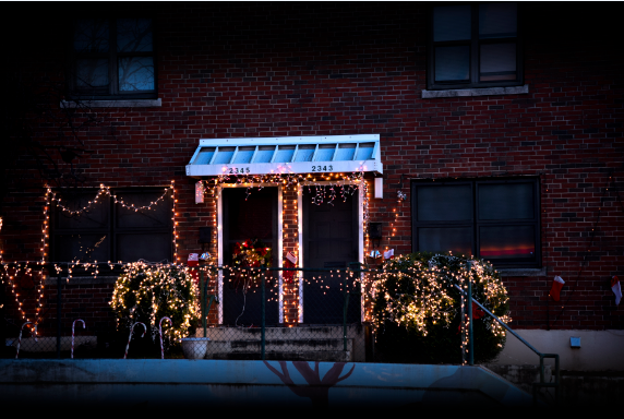 Birmingham Christmas Lights.Twins 69 Light Up Their Birmingham Community During The